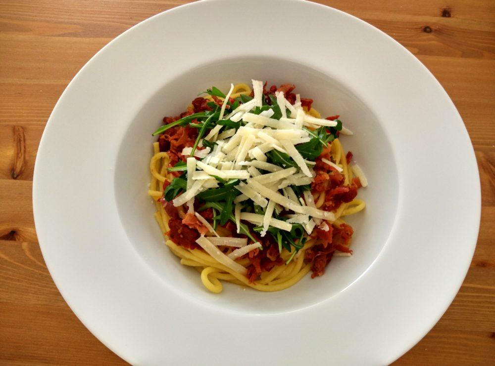 Špagety prosciutto crudo