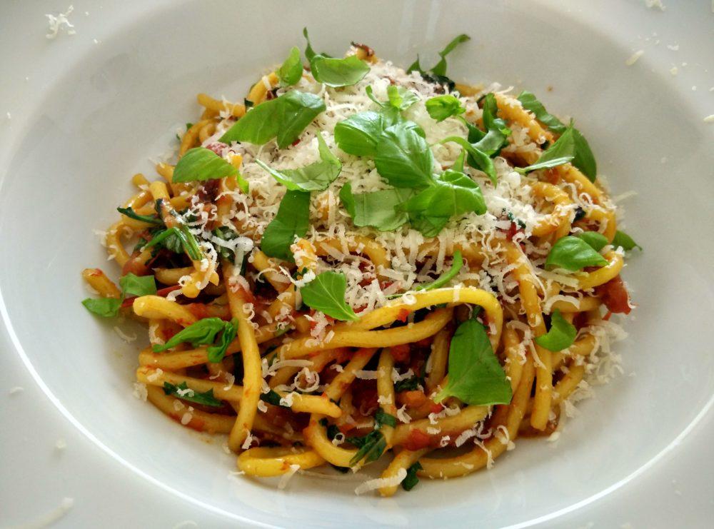 Špagety s pečenými paprikami