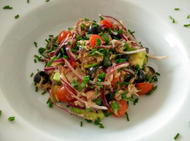 Tuňákový salát s avokádem